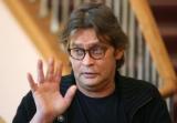 Александр Домогаров рассказал, что его коллеги плюют ему в спину